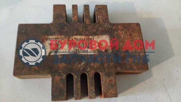 ГНБ 230944001 Гребенка крепления тяговой цепи D24x40a